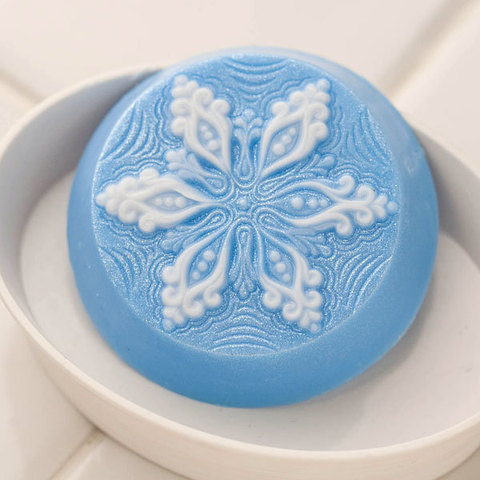 Пластиковая форма для мыла Снежинка на круге