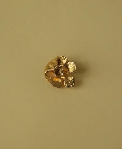 Брошь Golden Flower