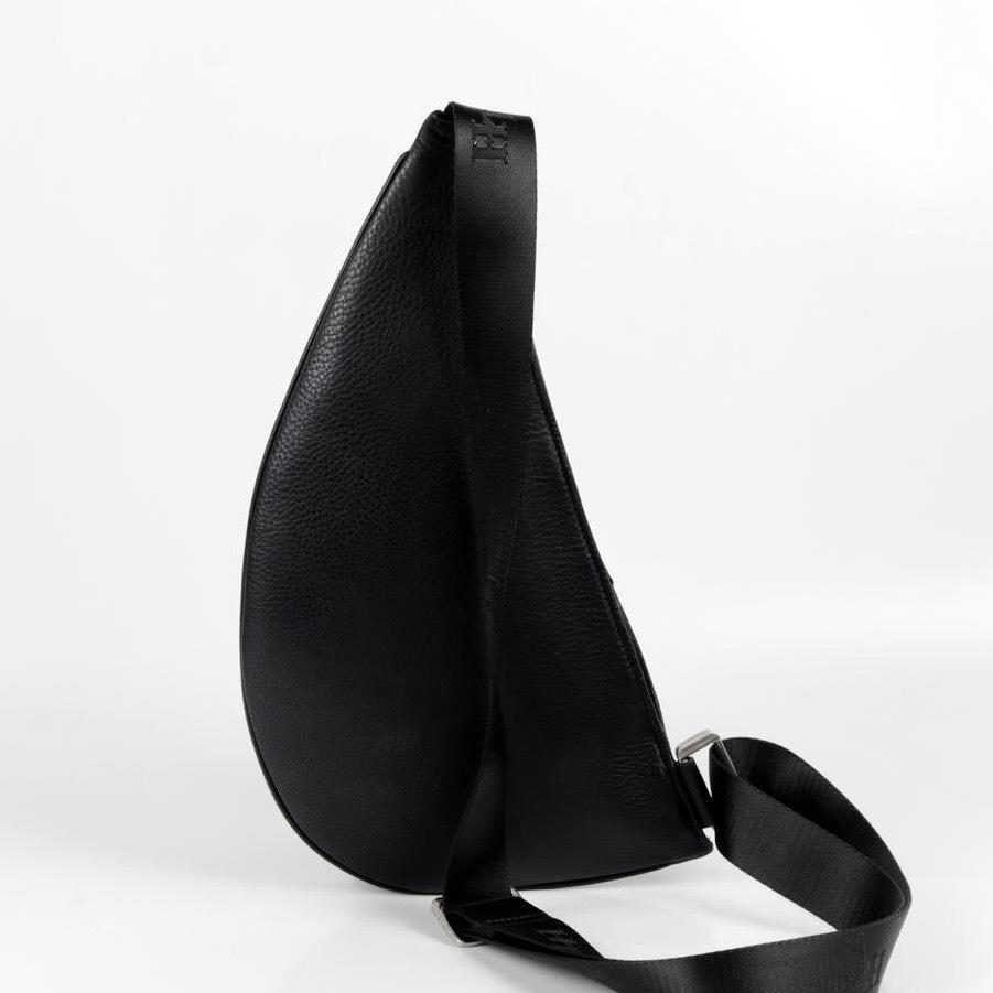 Мужская нагрудная сумка из кожи HT-074