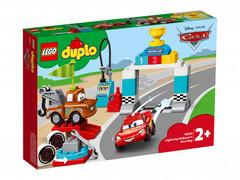 Lego konstruktor  Lightning McQueens Race Day