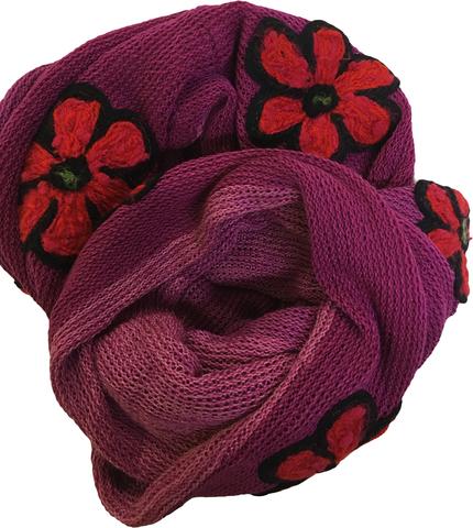 Уютный зимний шарф с аппликациями. Единственный экземпляр.