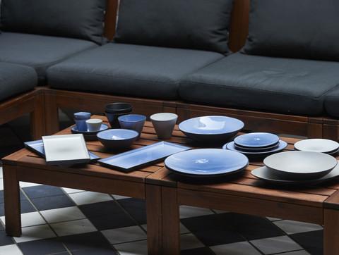 Фарфоровое прямоугольное блюдо Cirrus Blue, синее, артикул 649568, серия Equinoxe