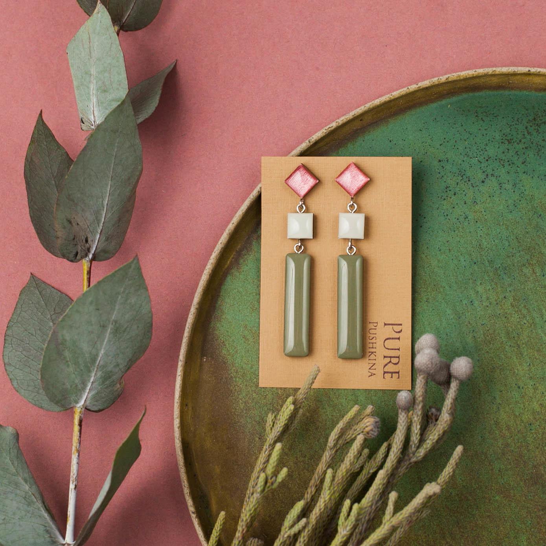 Серьги палочки розовый табак