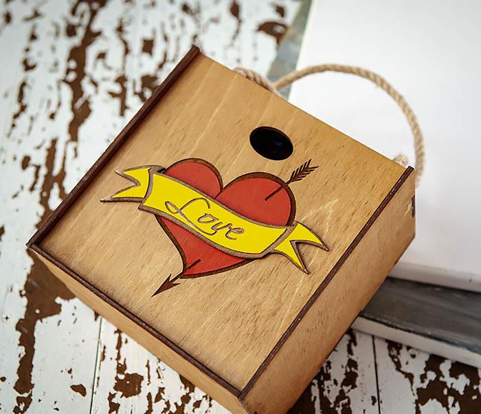 BOX239-2 Большая подарочная коробка с сердцем (17*17*10 см) фото 04