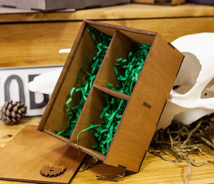BOX245-2 Подарочная коробка из дерева с тремя отделениями внутри, А6 (19*15*8,5 см) фото 02
