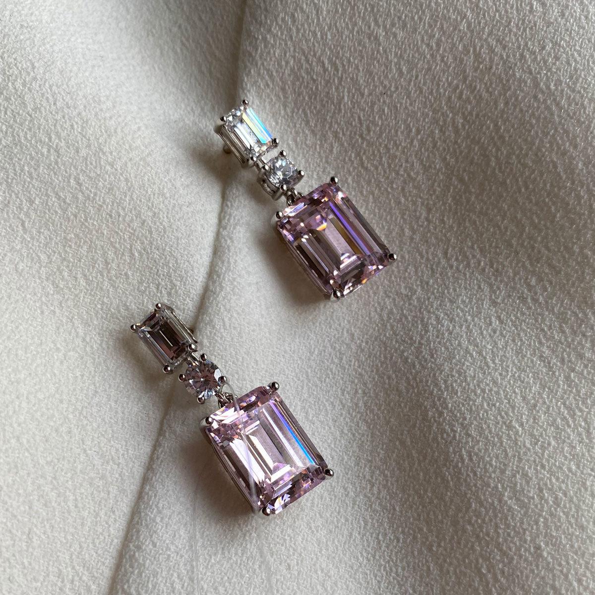 Серьги-пусеты с подвеской багетной огранки (циркон pink diamond, серебро 925)