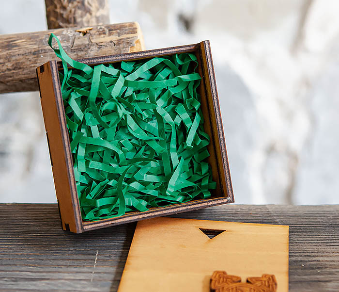 BOX232-2 Деревянная подарочная коробка для браслета (9,5*9,5*3,5 см) фото 04