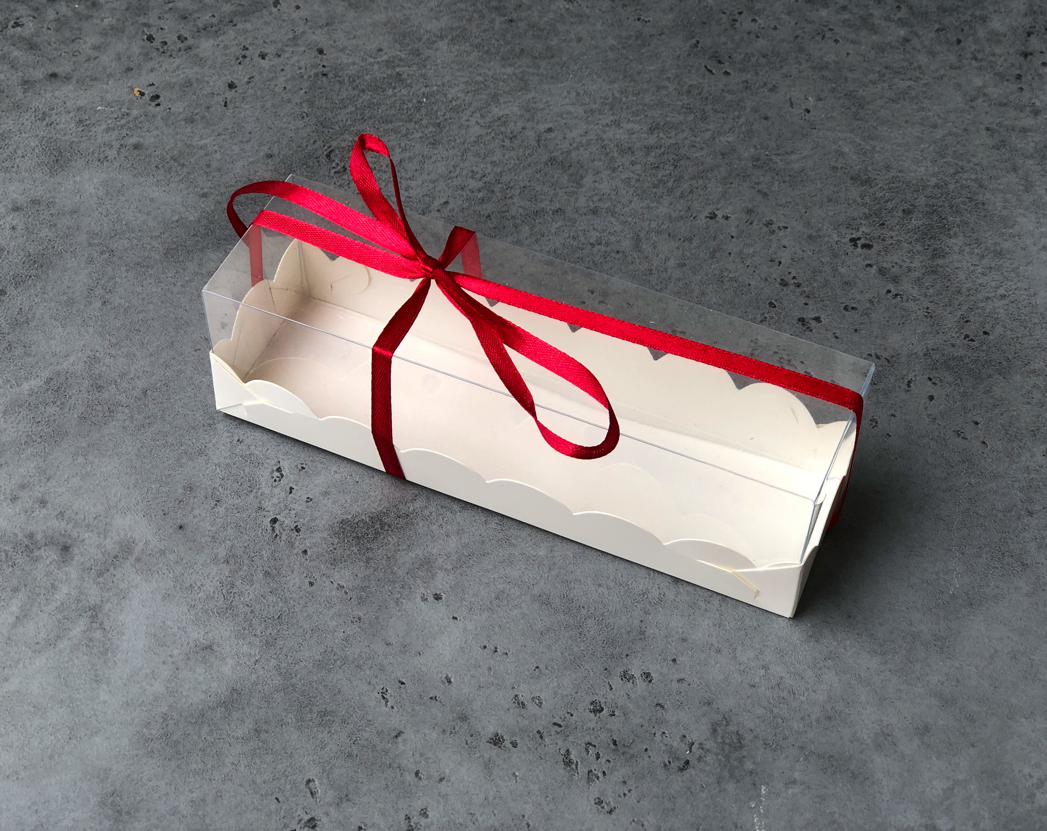Коробка БЕЛАЯ для макаронс с пластиковой крышкой, 190х55х55 мм