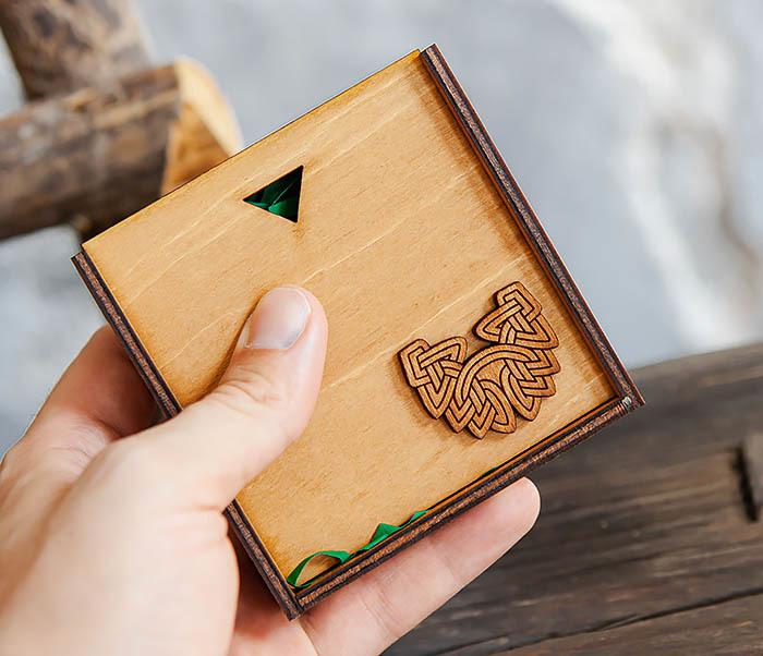 BOX232-2 Деревянная подарочная коробка для браслета (9,5*9,5*3,5 см) фото 05