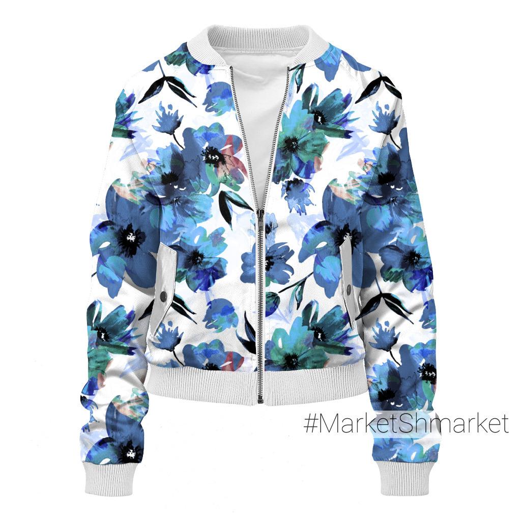 Синие цветы акварелью на белом