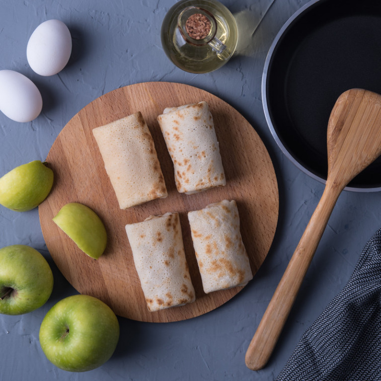 Фотография Блины с яблоками / 400 г купить в магазине Афлора