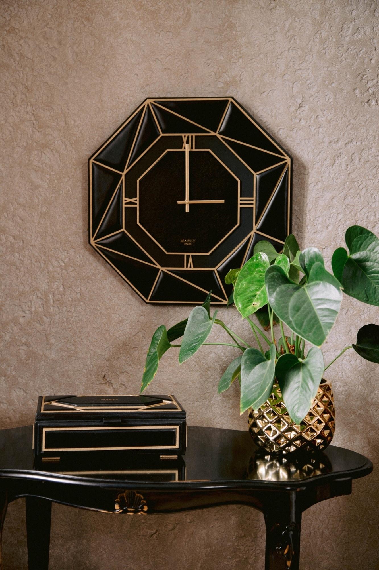 Часы «Deco». Цвет черный