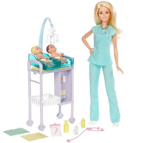Барби Детский врач с малышками