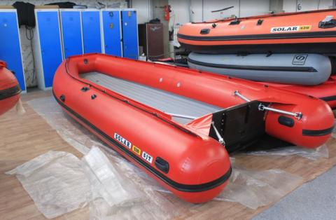 Надувная ПВХ-лодка Солар - 520 Super Jet Tunnel (красный)