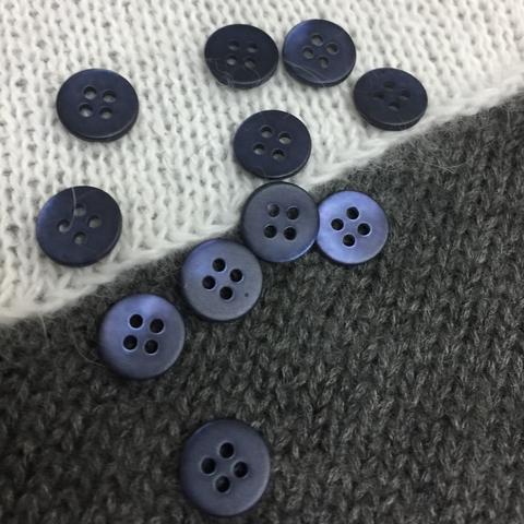 Пуговица сток Max Mara перламутр 10 мм темно-синий матовый