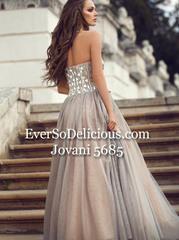 Покупательницы в Jovani 5685