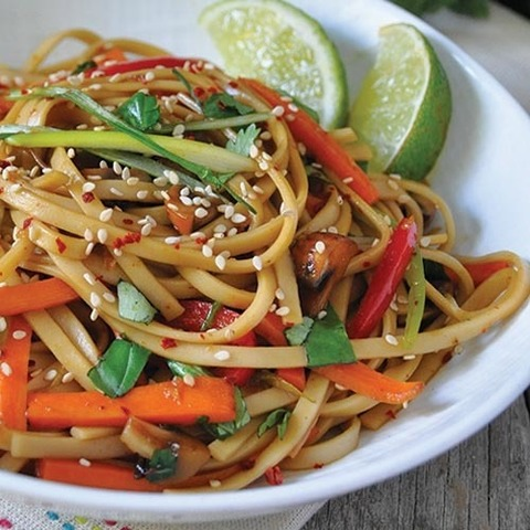 https://static-sl.insales.ru/images/products/1/4716/90968684/noodles_with_sweet_soy_sauce.jpg