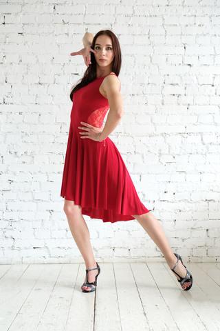 Платье для танцев с гипюром