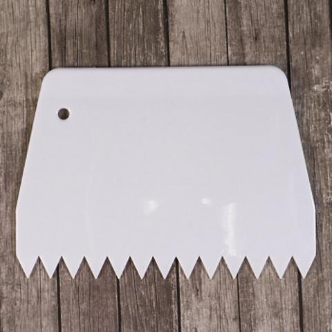 Шпатель зубчатый 13,5*9,5см, пластик