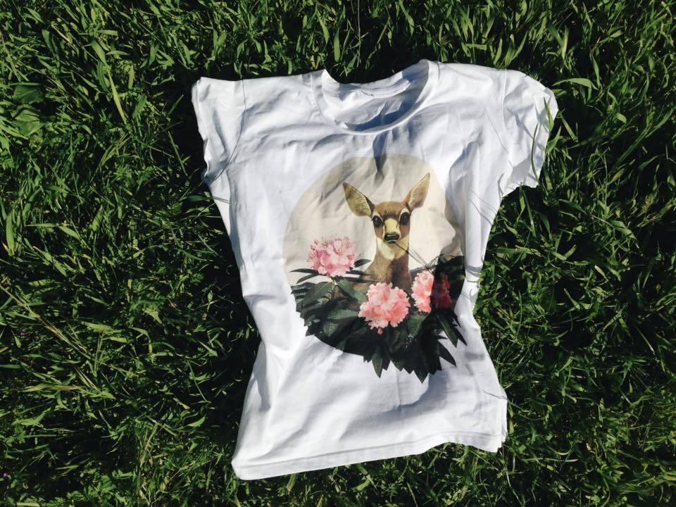 Нежный олень / футболка