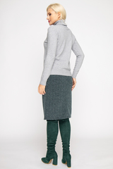 <p>Модный джемпер из мягкого кашемира отлично сочетается с юбкой, брюками и джинсами, создавая стильный ансамбль практичности и утонченности.</p> <p>&nbsp;</p> <p><span>(Один размер: 42-48)</span></p>