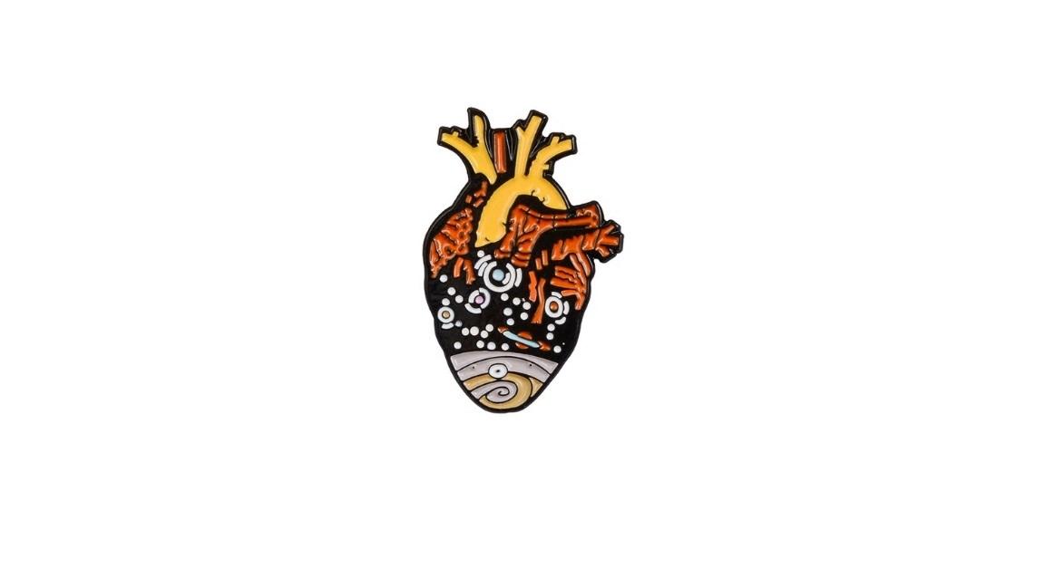 Брошь сердце планета