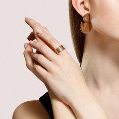 93010856 - Широкое, рифленое кольцо из золочёного серебра