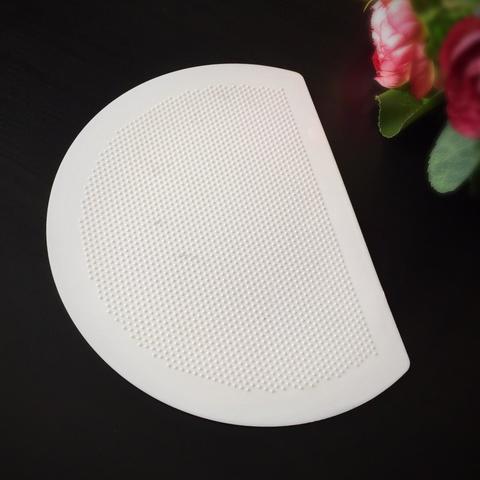 Шпатель кондитерский  пластиковый белый ПОЛУКРУГ (Размеры 190х145мм)
