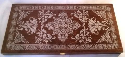 Нарды большие тонированные коричневые рисунок серебро