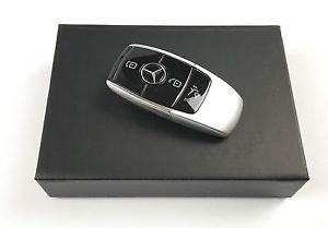 Флешка Mercedes-Benz USB Stick