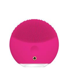 Foreo Электрическая очищающая щетка для всех типов кожи лица LUNA Mini 3 Fuchsia