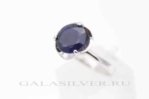 Кольцо с сапфиром из серебра 925