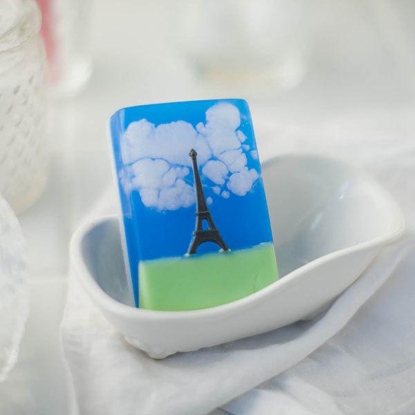 Пластиковая форма для мыла Эйфелева башня на прямоугольнике