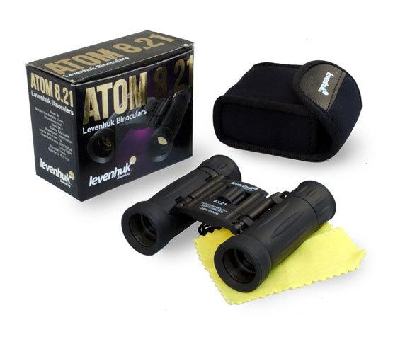Комплект поставки бинокля Levenhuk Atom 8x21