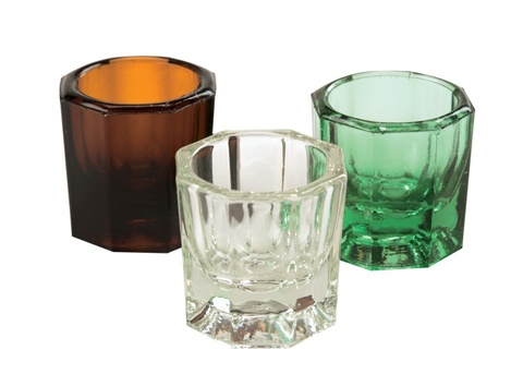 Стеклянный стаканчик