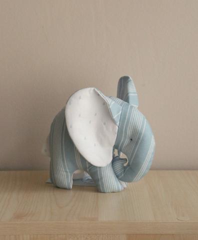 Слоник-мини голубой в полоску , белые ушки с капельками