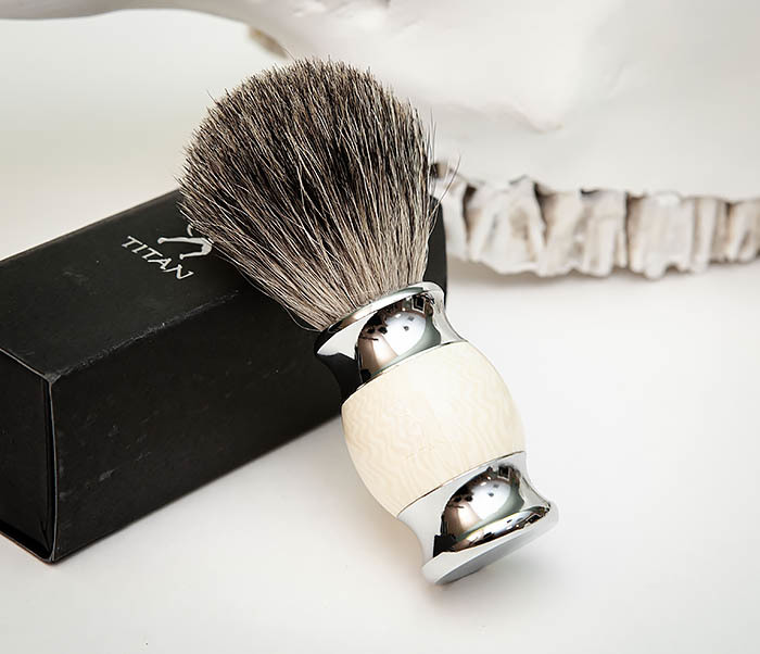 RAZ488-2 Помазок «TITAN» из барсучего волоса, рукоятка смола (бежевый) фото 04