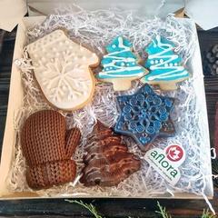 Набор новогодний с печеньем и фигурным шоколадом