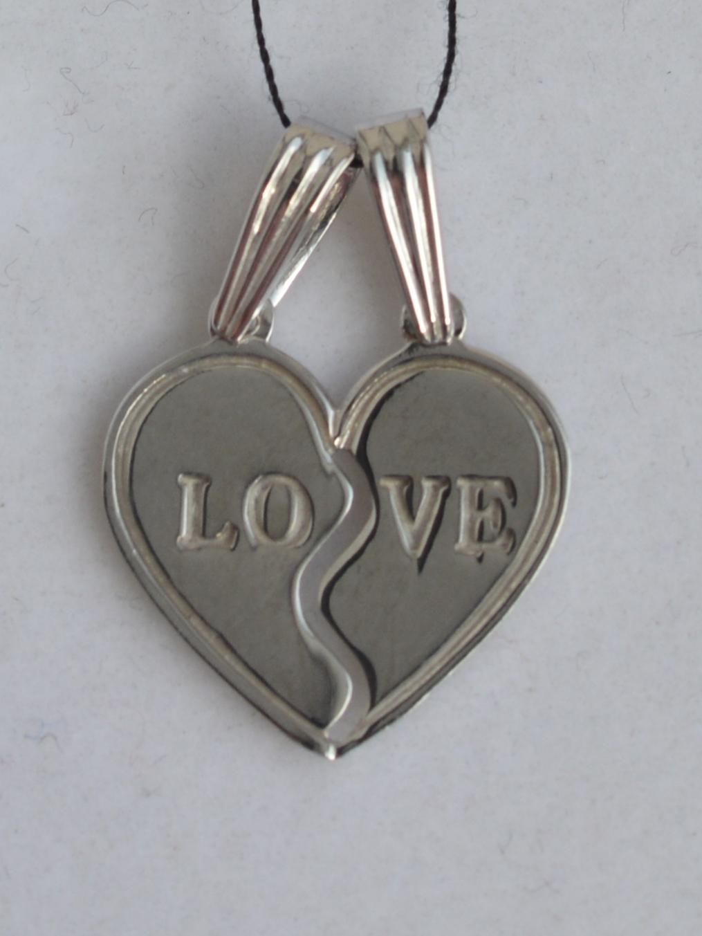 LOVE (кулон из серебра)