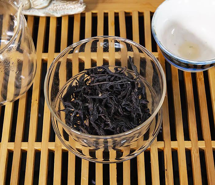 TEA-CH112 Темный улун «Одинокие Кусты с Горы Феникса» (Фэн Хуан Дань Цун, сильная обжарка, 10 гр) фото 06