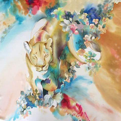 Шелковый платок батик Львица