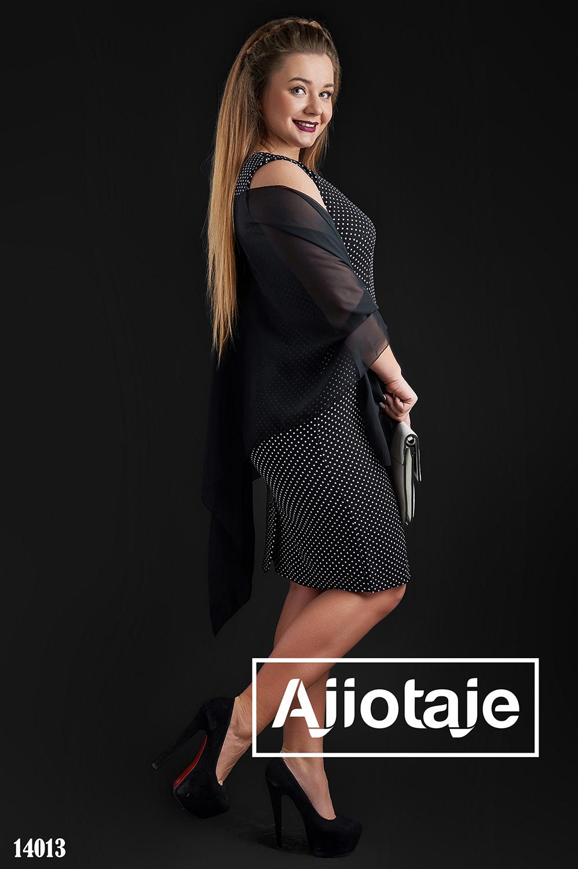 Черное платье в горошек с шифоновой накидкой