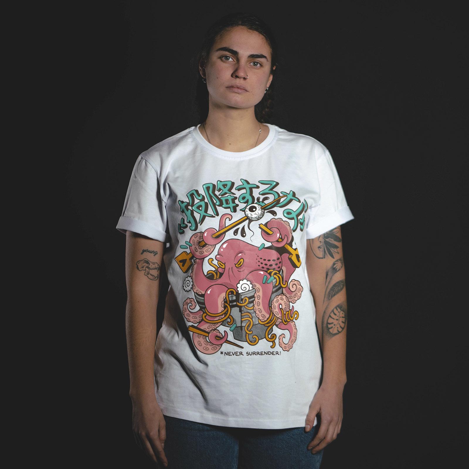 Never surrender / футболка