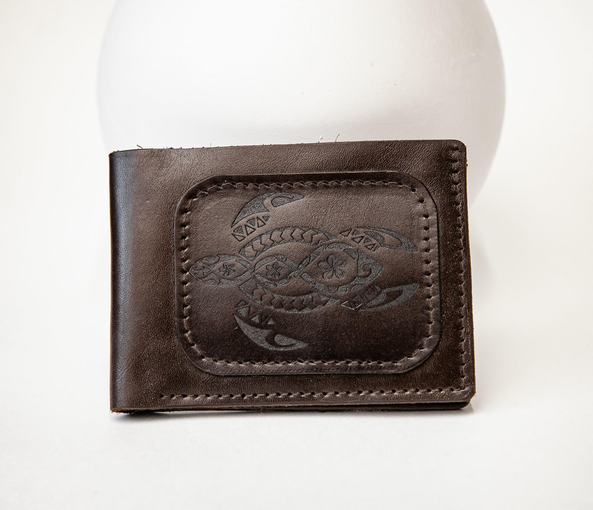 WB159 Мужской кошелек с черепахой в полинезийском стиле, «Boroda Design»