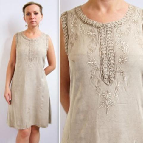 Платье  Вышивка спереди безразмерное