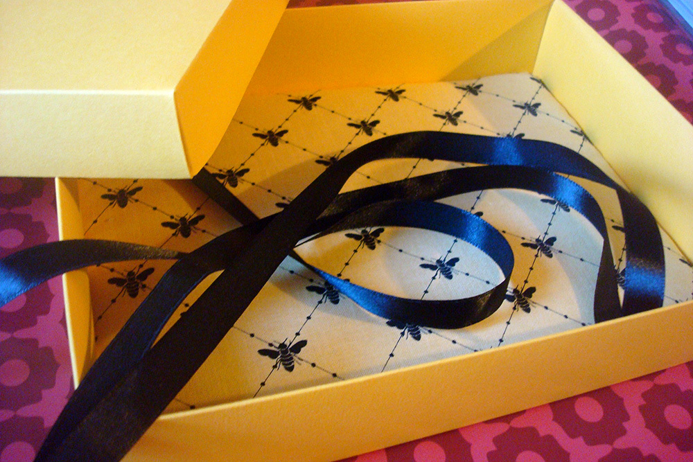 Подарочная коробка Пчёлка