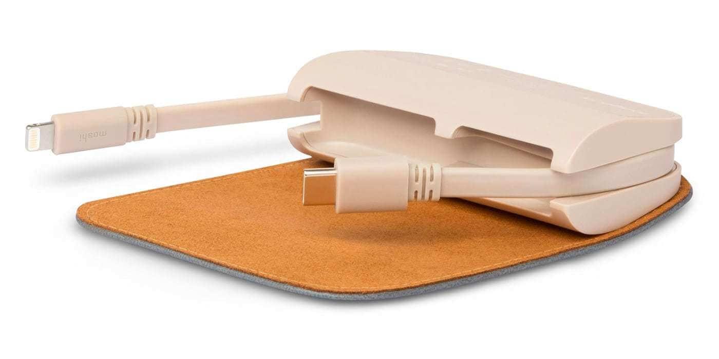 Внешний портативный аккумулятор Moshi IonGo со встроенным кабелем USB-A и Lightning 5K (5000 мАч)