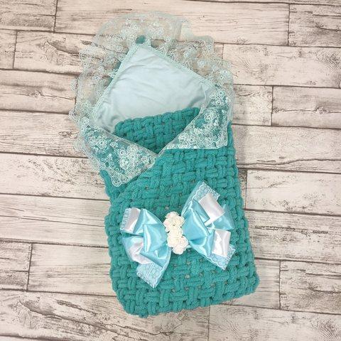 Плед-одеяло вязаный на выписку с кружевным уголком (утеплённый)