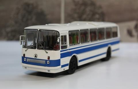 LAZ-699R white-blue Classicbus 1:43