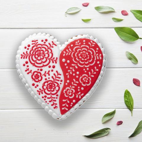 Фотография Пряник «Сердечко красно-белое» / 100 гр купить в магазине Афлора